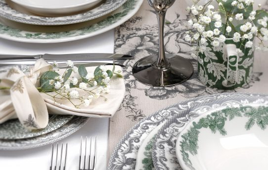 Tips for Buying Christmas Tableware – Plates, Mugs and More