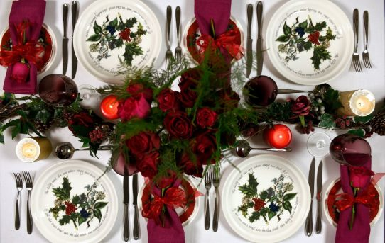 5 Steps to Creating a Beautifully Festive Christmas Table